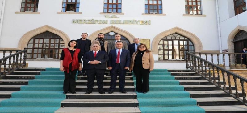 Uluslararası Festivaller Birliği Başkanı İpek'den Merzifon Belediyesine Ziyaret