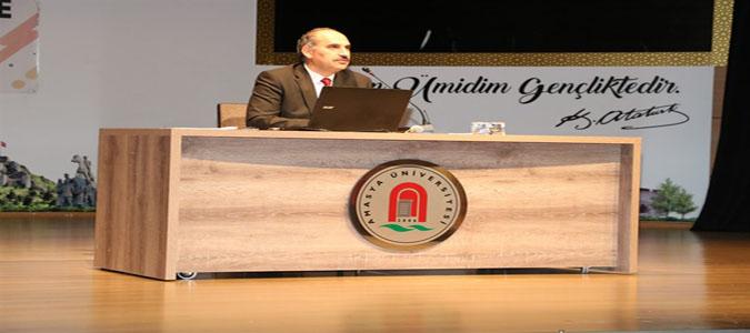 Üniversite Gençliği, Eğitimi ve Kimlik Arayışı Konulu Konferans Gerçekleştirildi