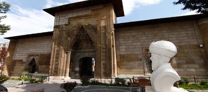 Ünlü Hekimin Adını Taşıyan Müzeyi Binlerce Kişi Gezdi