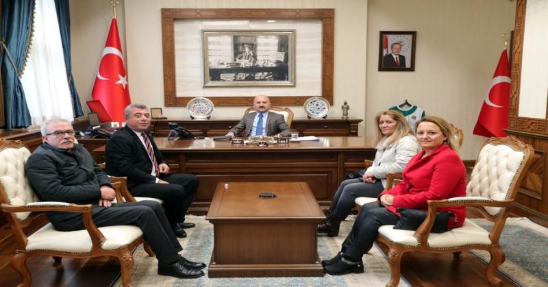Vali Varol, CHP Merkez İlçe Başkanı Arif Ferahoğlu ile Yönetim Kurulu Üyelerini Kabul Etti