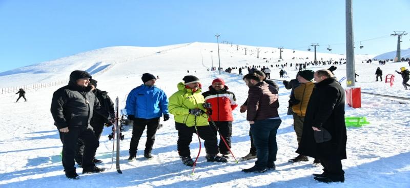 Vali Varol, Samsun Valisi Osman Kaymak ile birlikte Akdağ Kayak Merkezinde İncelemelerde Bulundu