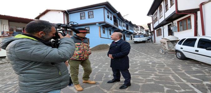 Vali Varol Televizyon Programcısı Ayhan Sicimoğlu İle Bir Araya Geldi