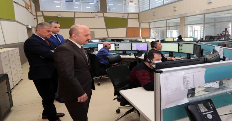 Vali Varol, 'Vefa İletişim Merkezi' Olarak Kullanılan 112 Acil Çağrı Merkezi'nde İncelemede Bulundu