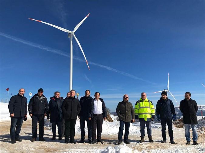 Vali Varol'dan Rüzgar Enerji Santralinde İnceleme