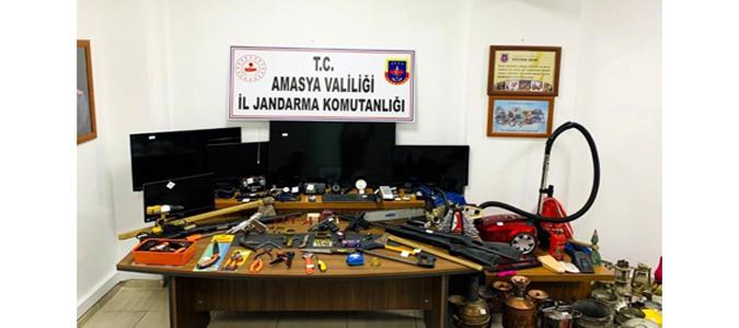 Yaşanan Hırsızlık Olayı Aydınlatıldı Suçüstü Yakalandılar