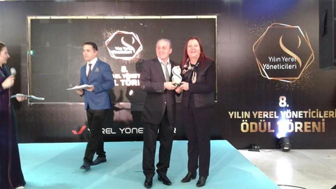 'Yılın Yerel Yöneticisi' Zehra Özyol