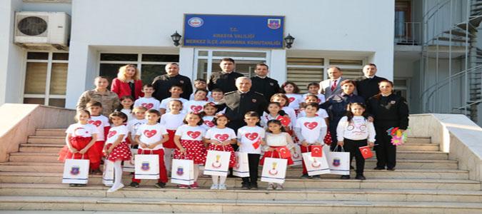 Amasya İl Jandarma Komutanlığı Fatih İlkokulu Öğrencilerini Konuk Etti