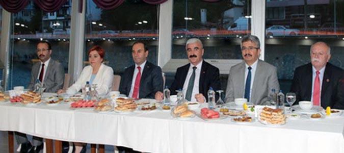 Amasya Özel idaresinden geleneksel iftar yemeği