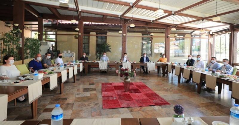 Amasya TSO Yönetimi Vali Masatlı İle Bir Araya Geldi