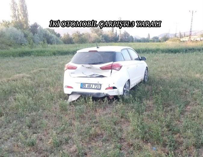 Amasya'nın Suluova ilçesinde iki otomobilin çarpışması sonucu 3 kişi yaralandı.