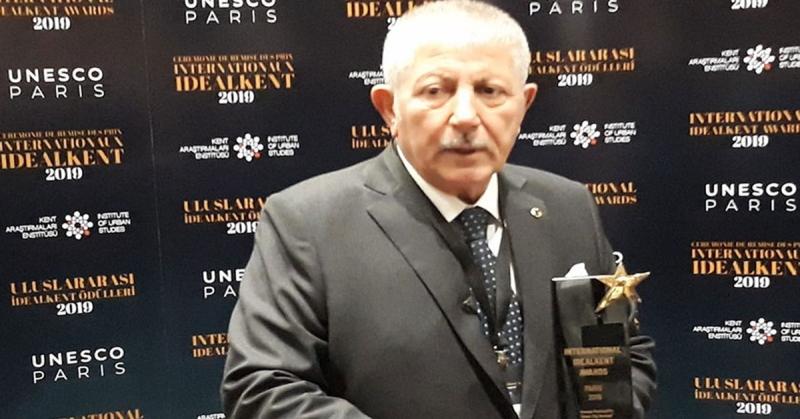 Başkan Mehmet Sarı, 'Yeşilkent Amasya' Projesinin Ödülünü Aldı