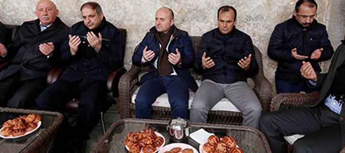 Demokrasi şehidi Özsoy ve babası için mevlit okutuldu