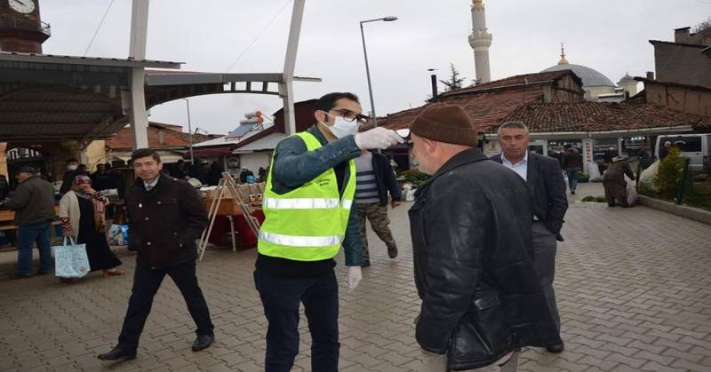 Gümüşhacıköy Belediyesi Pazarda Ateş Ölçümü Yaptı