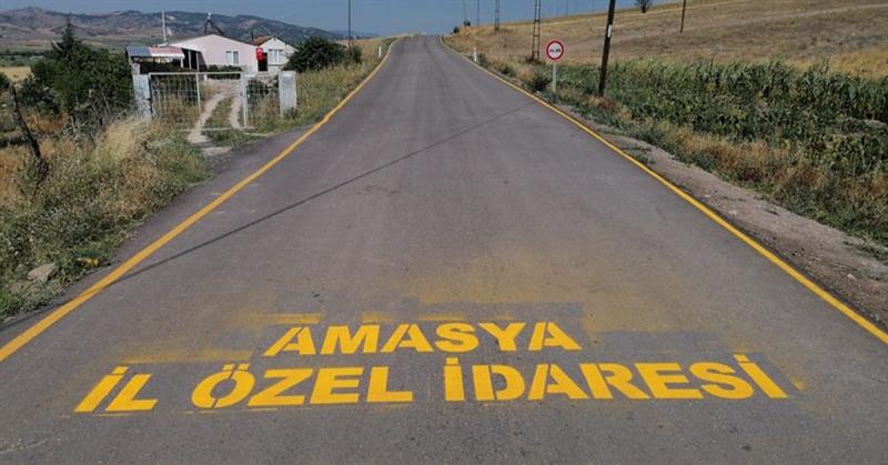 Köy Yollarında Gerçekleştirilen Yol Cizgi, İşaret ve Levhaları ile Trafik Güvenliği Sağlanıyor
