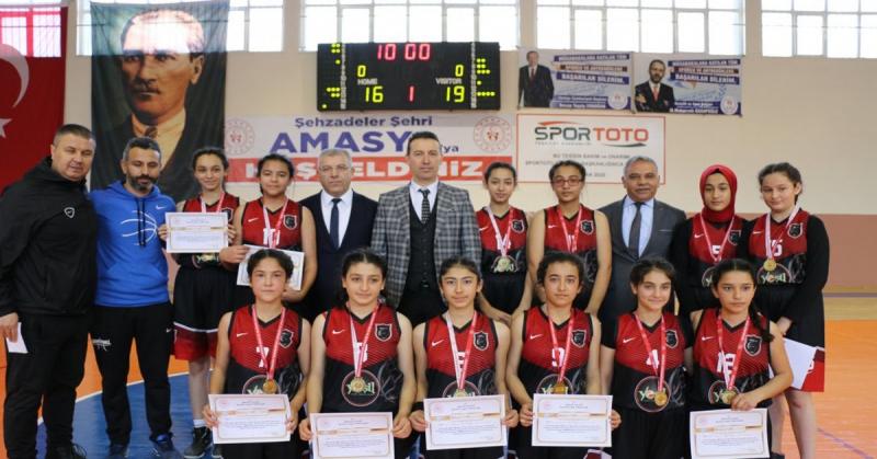 Ortaokul Yıldız Kız/Eerkek Basketbol Grup Birinciliği Müsabakaları Sona Erdi