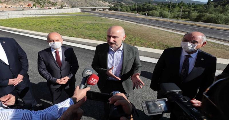 Ulaştırma ve Altyapı Bakanı Adil Karaismailoğlu, Amasya Çevre Yolu İnşaatında İncelemede Bulundu